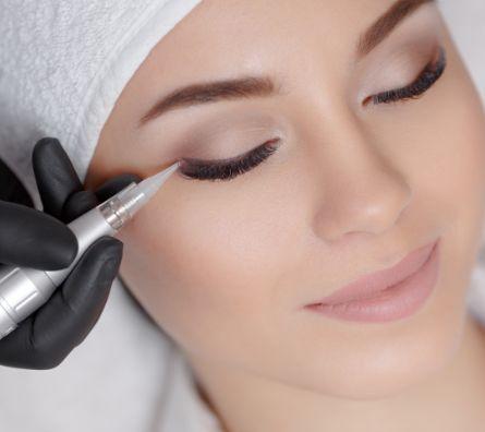 Eyeliner Masterclass Image