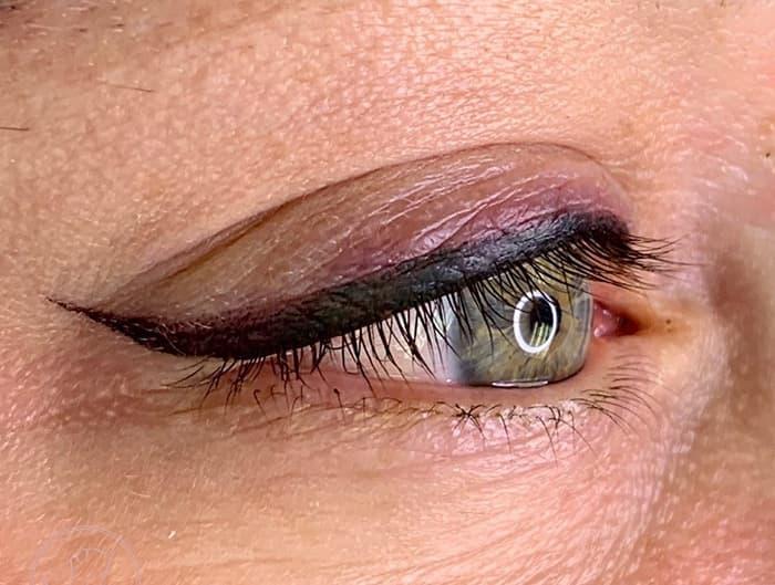 Latina eyeliner
